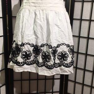 Joe Benbasset Embroidered Skirt Size S